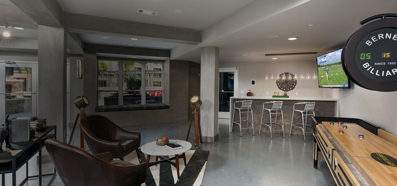 Commons area and gaming room at 400 Rhett