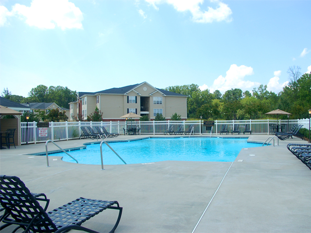 Exterior pool area at Ashton Park in Anderson, SC