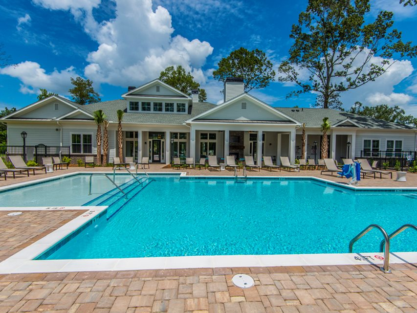 Community Pool and clubhouse at Bluewater at Bolton's Landing corporate rentals